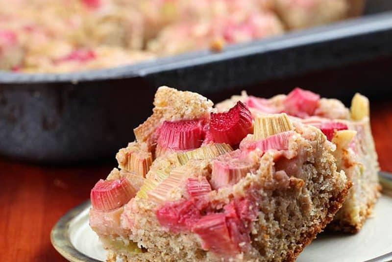 Rhubarb Muffin Squares
